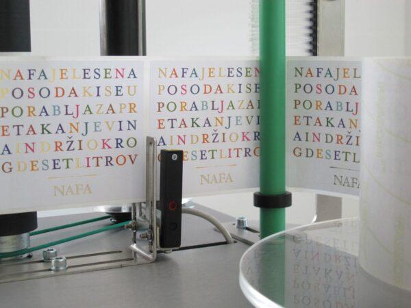 Półautomatyczna etykieciarka do butelek SK E03